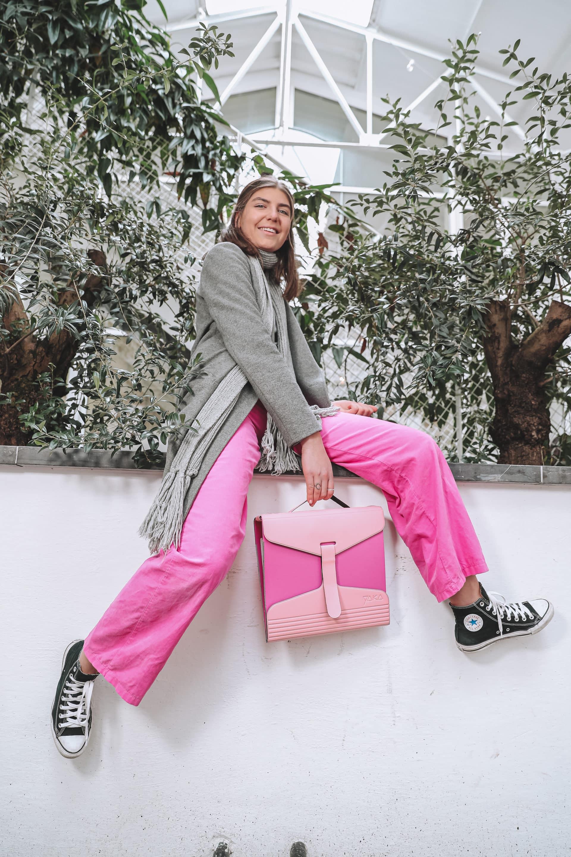 pink file holder, YAKA pink