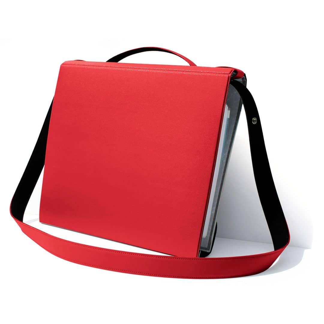 red file holder, YAKA red
